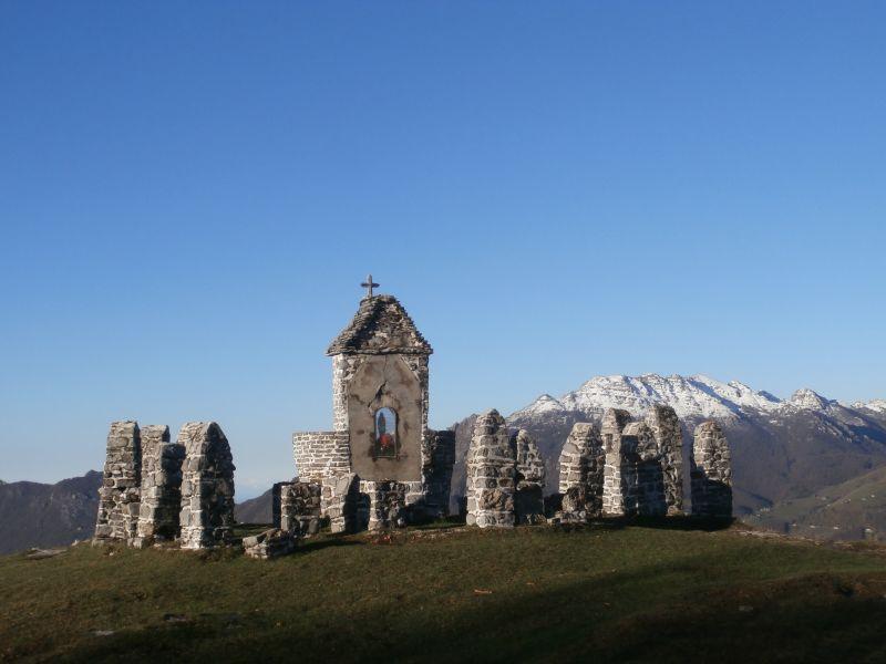 On report escursionismo tre faggi i canti zuc for Rifugio resegone valle imagna